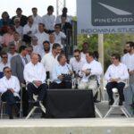 El Presidente Medina pone en operaciones el water tank en moderno estudio cenematgráfico