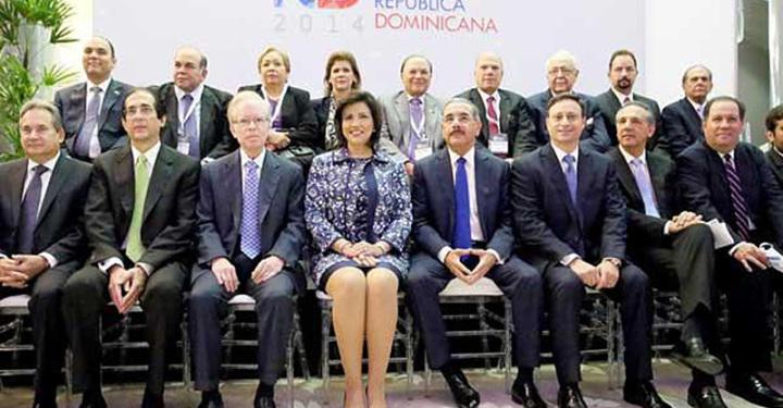 Presidente Danilo Medina Llama Inversionistas a Invertir en el País.